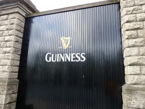 ギネスビール本社工場のゲートの一つ