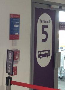 ターミナル5行きのバス