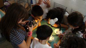 children-microscope183007_1920